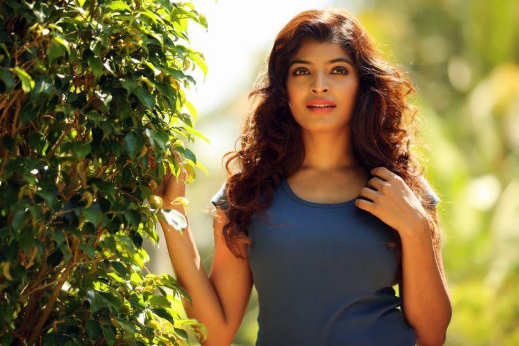 Sanchita Shetty bollywood actress model girl beautiful brunette pretty cute beauty sexy hot pose face eyes hair lips smile figure indian wallpaper