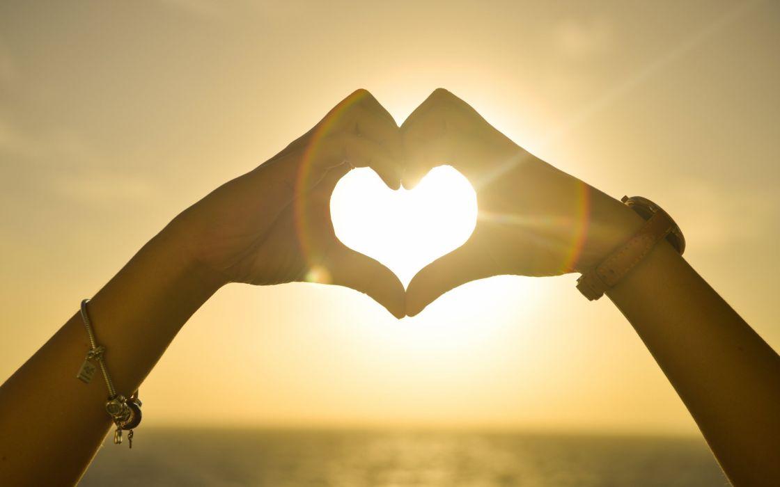 mano corazon amor sol wallpaper