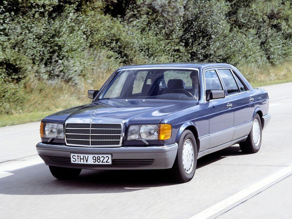 Mercedes-Benz 560SE 1988 wallpaper