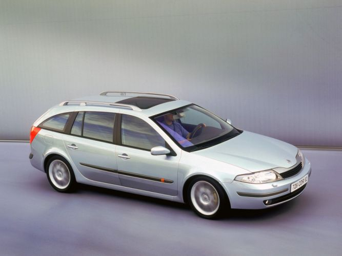Renault Laguna Break 2001 wallpaper