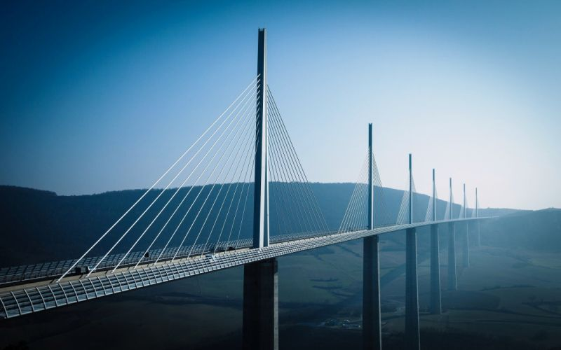 millau-viaduct-france-large-bridge-hd-wallpaper wallpaper