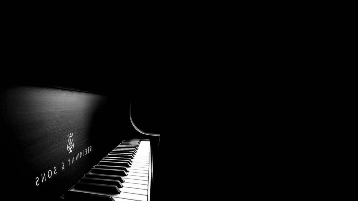 35819746-piano-wallpaper wallpaper