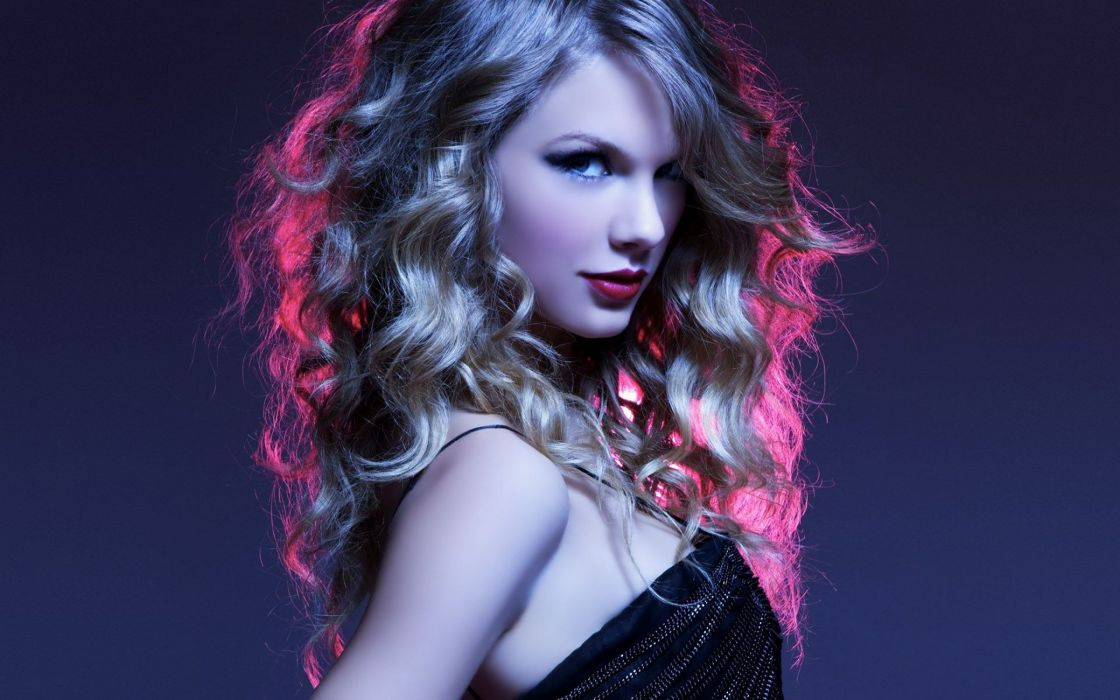35988542-taylor-swift-wallpaper wallpaper