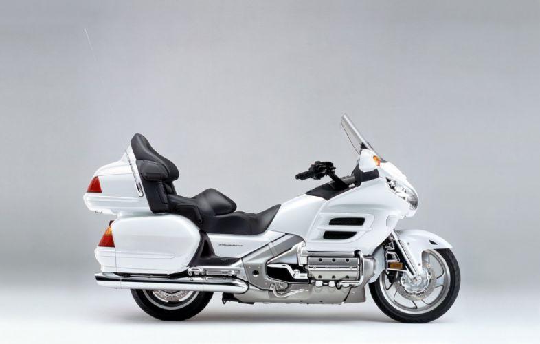Honda GL1800 Gold Wing motorcycles 2001 wallpaper