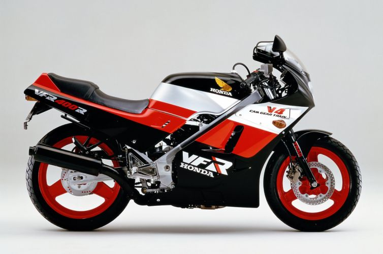 Honda VFR 400R 1986 wallpaper