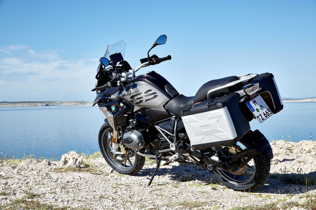 BMW R-1200 (GS) Exclusive motorcycles 2017 wallpaper