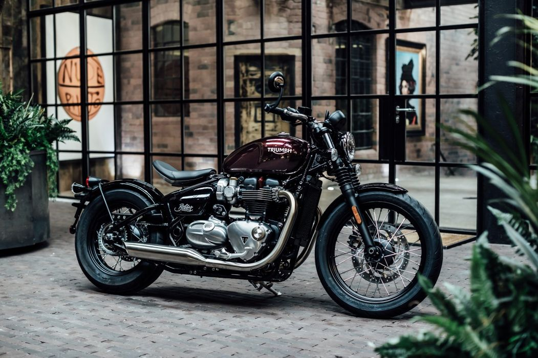 TRIUMPH BONNEVILLE BOBBER 2017 wallpaper
