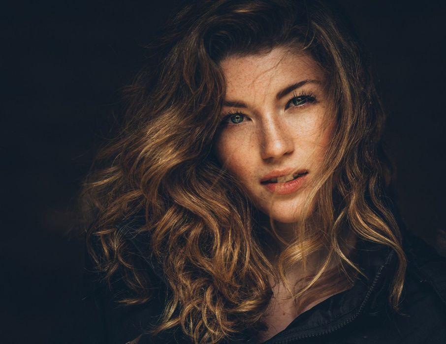 woman model portrait looking at viewerwomen indoors curly hair closeup wallpaper