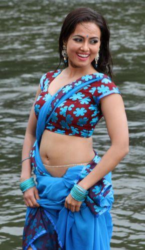 Indian actress sana khan wallpaper