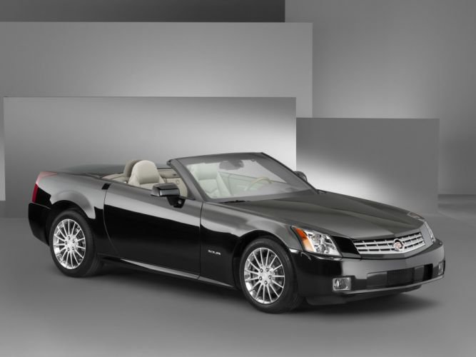 Cadillac XLR Accessorized 2004 wallpaper