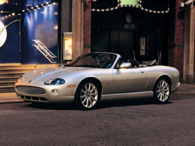 Jaguar XKR Convertible 2004 wallpaper