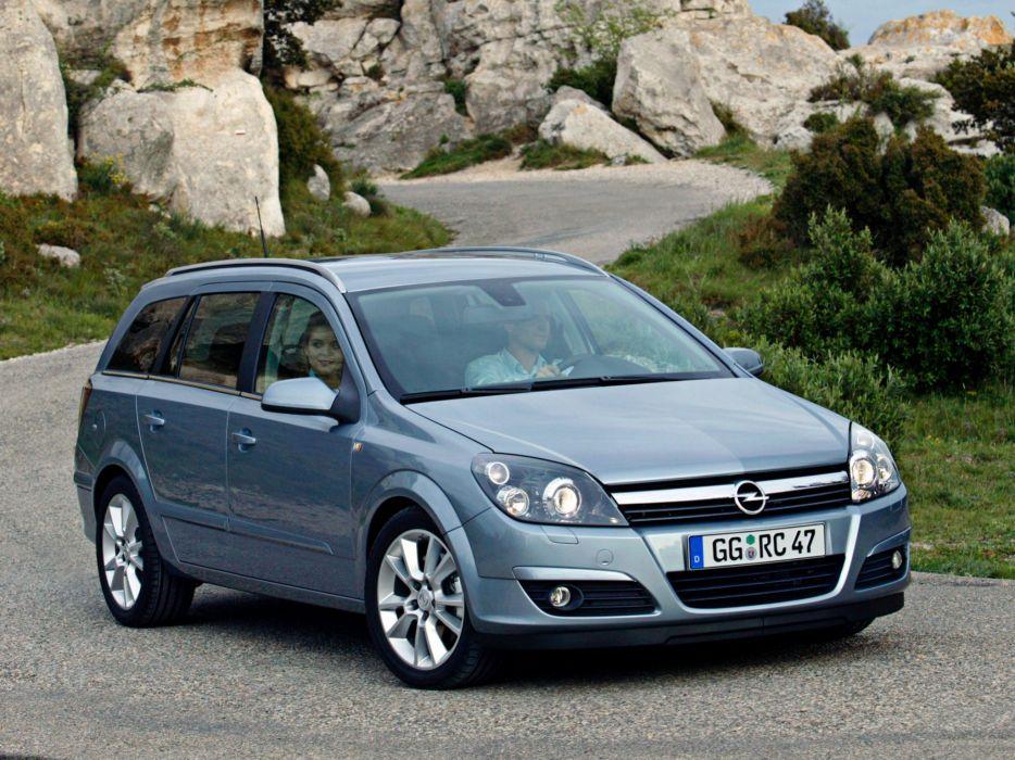 Opel Astra Caravan 2004 wallpaper
