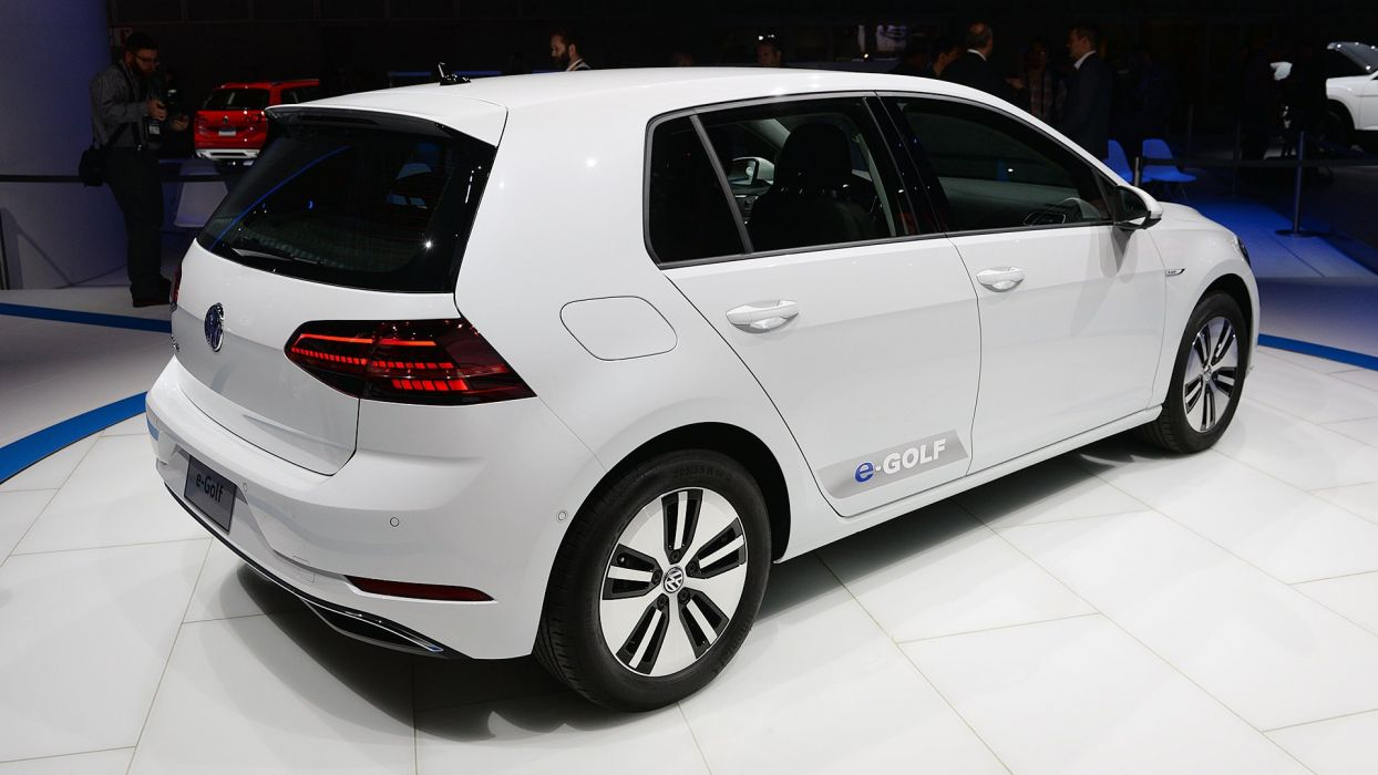 2017 Volkswagen E-Golf cars electric white wallpaper