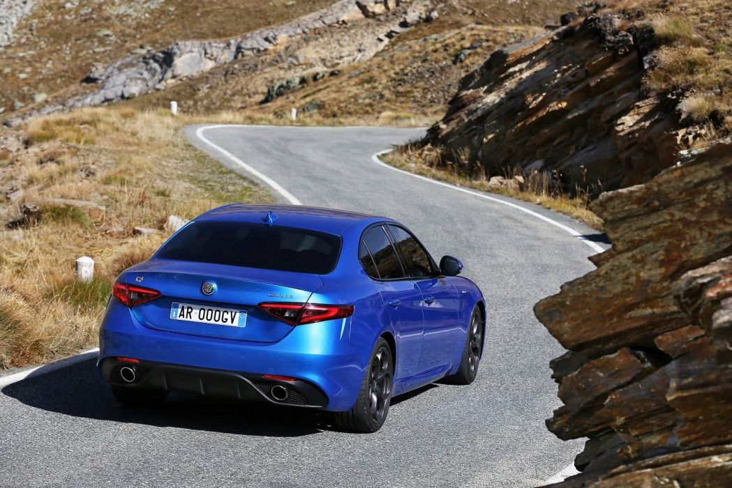 Alfa Romeo Giulia Veloce (Q4) (952) cars blue sedan 2016 wallpaper