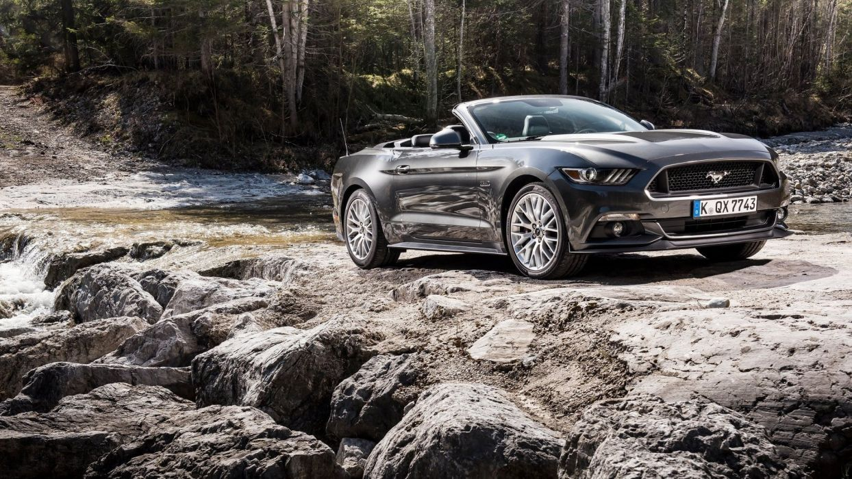 Ford Mustang Convertible wallpaper