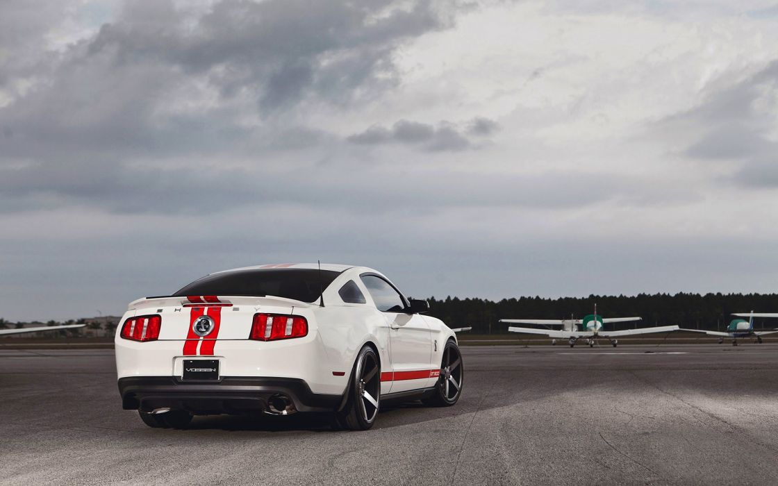 Ford Mustang Shelby GT500 wallpaper