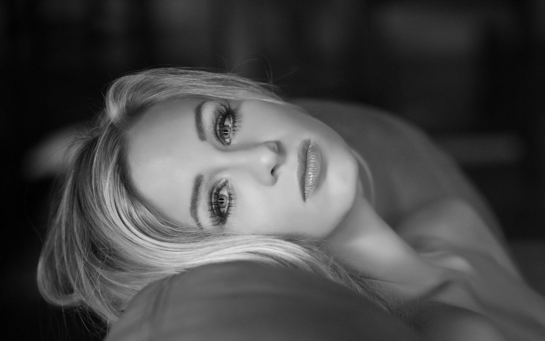 черно-белые картинки девушек блондинок - 1