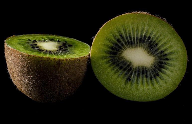 Kiwi Fruit Green wallpaper