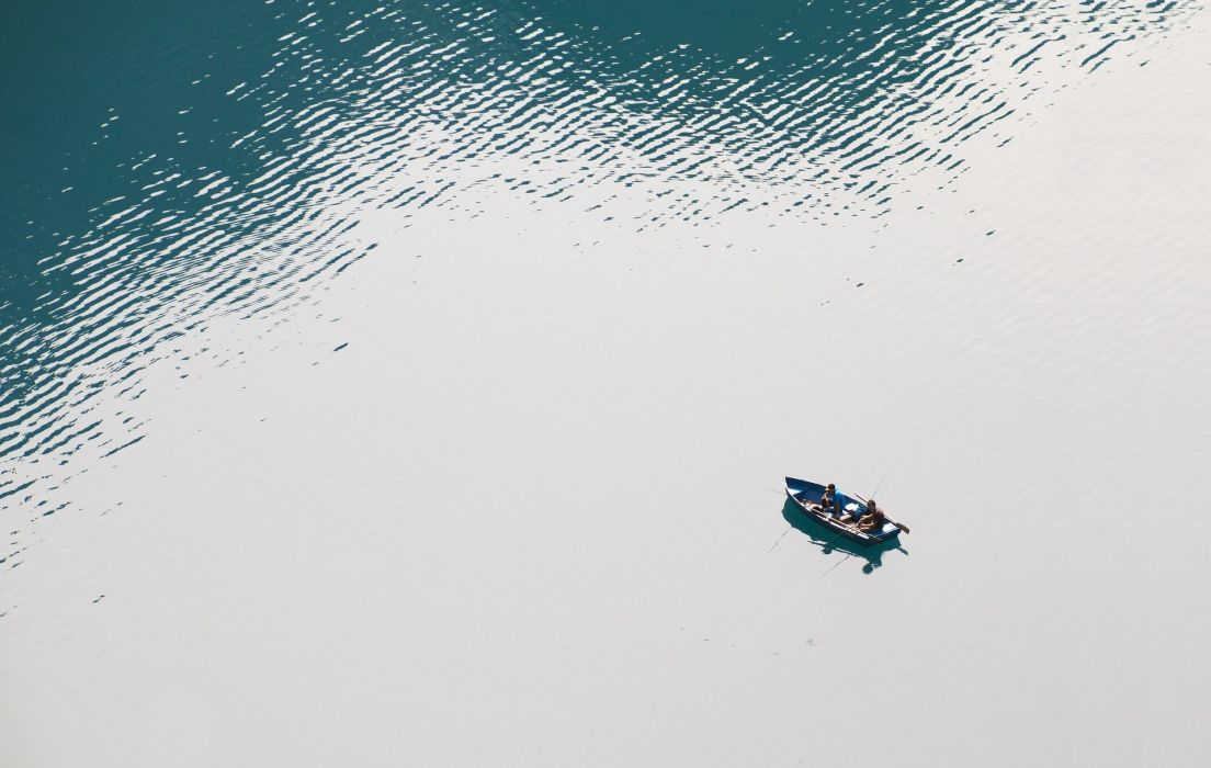 Fishing Boat Fish Lake Bergsee Lake Oeschinen wallpaper