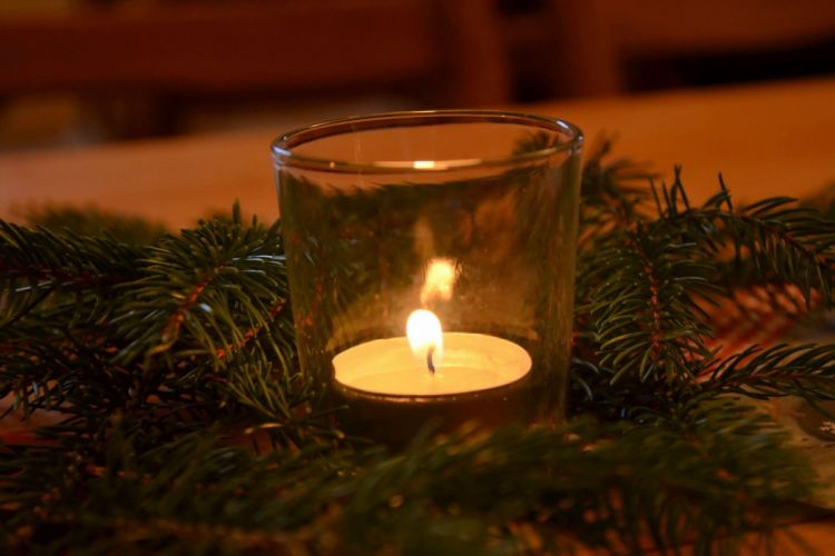 Candles Candlelight Shimmer Christmas Advent wallpaper