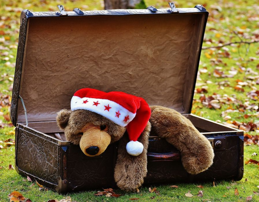 Christmas Luggage Antique Teddy Soft Toy wallpaper