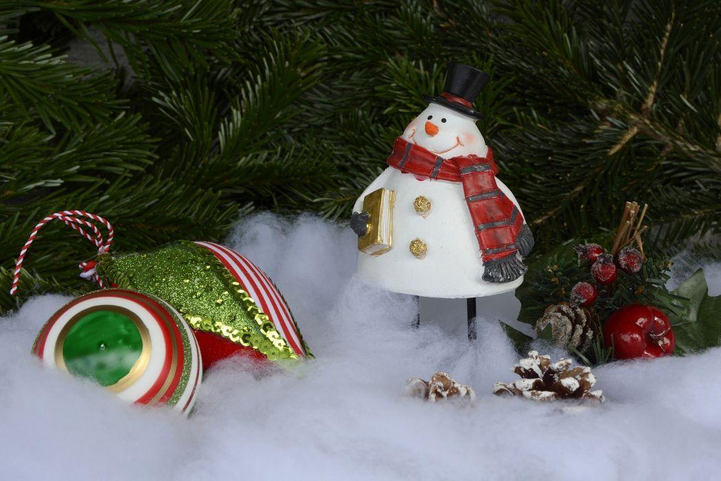 SnowMan Christmas Christmas Balls Balls Pine Cones wallpaper