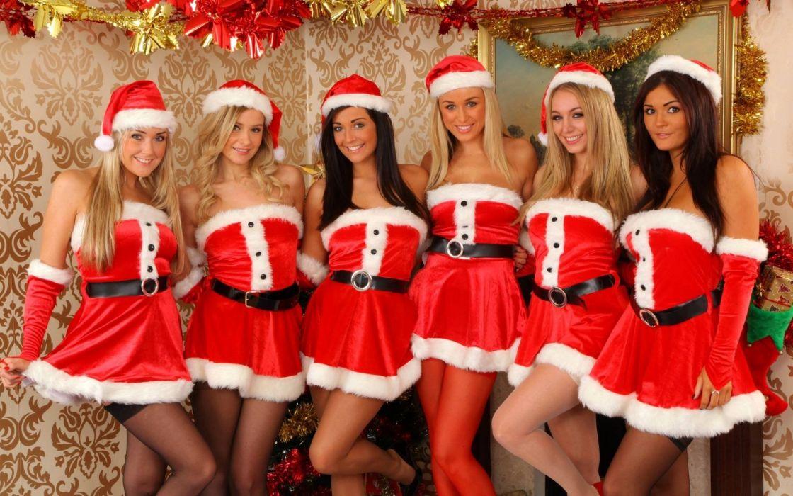 Pretty Santas wallpaper