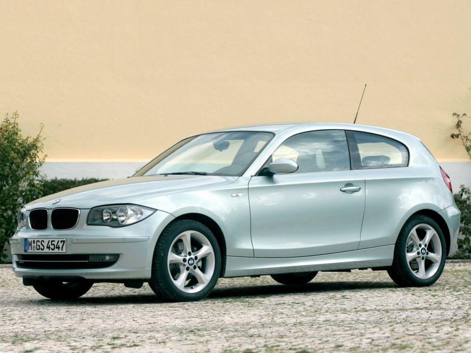 BMW 120i 2007 wallpaper