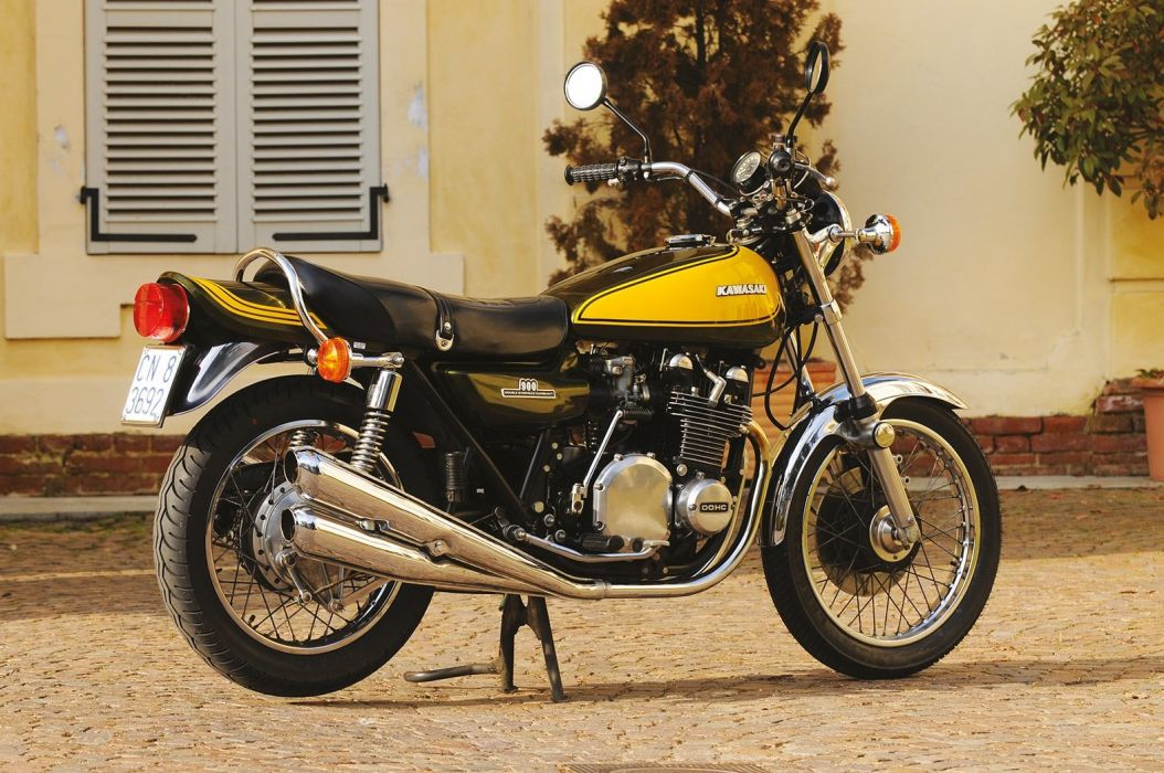 Kawasaki (Z1) 900 motorcycles 1972 wallpaper
