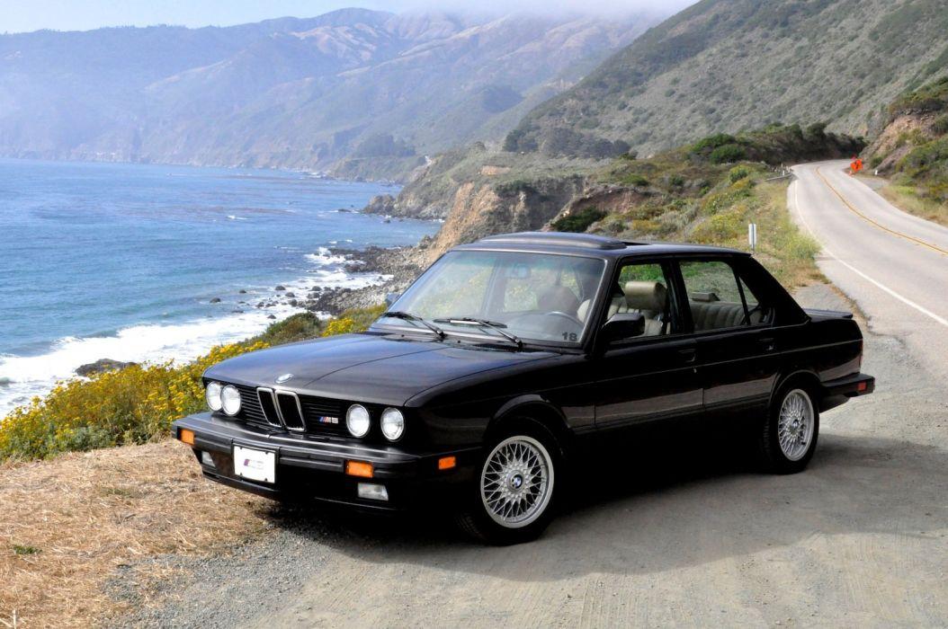 BMW M5 E28 1981 (2) wallpaper