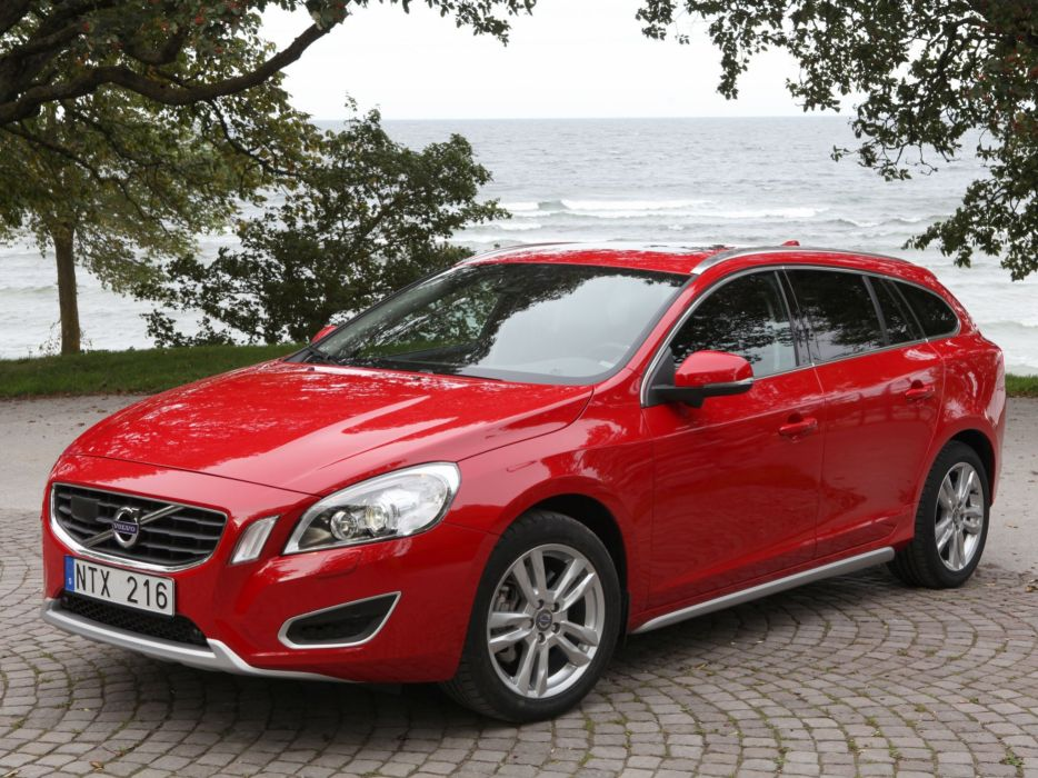 Volvo V60 2010 wallpaper