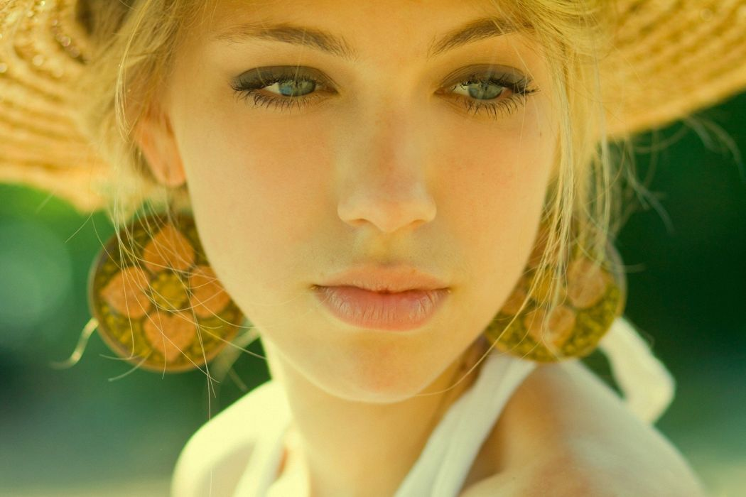 blonde close-up face girl model summer woman wallpaper