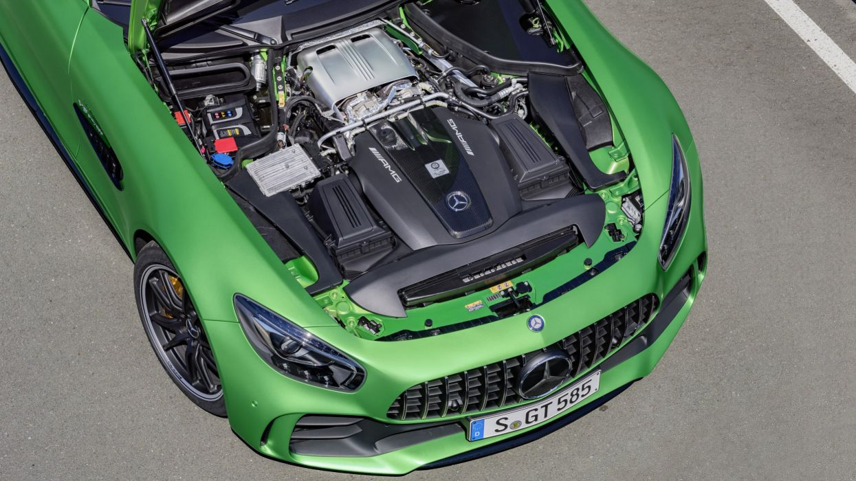 Mercedes-AMG GT-R wallpaper