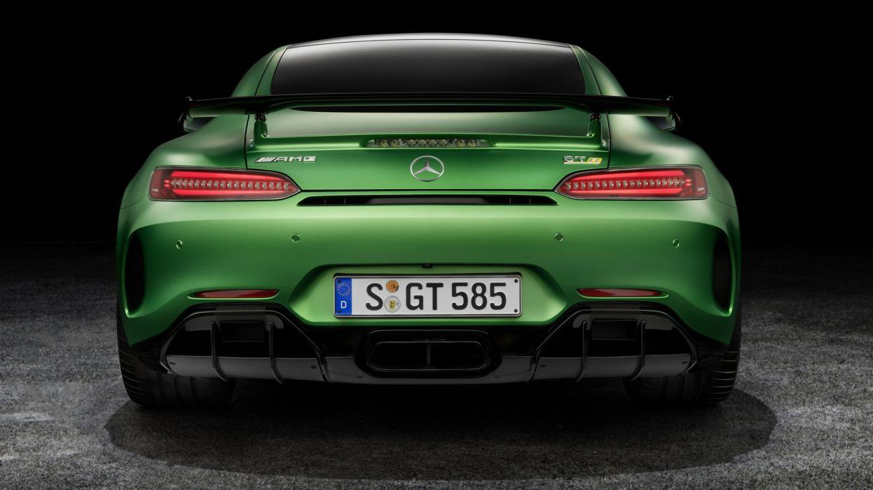 Mercedes-AMG GT-R wallpaper