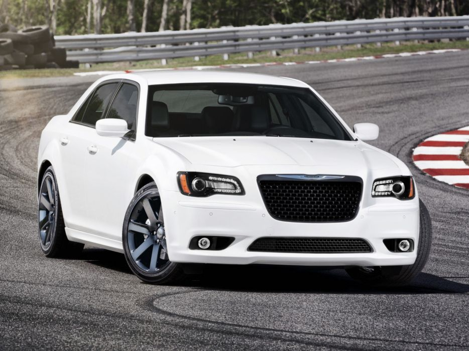 Chrysler 300 SRT8 2011 wallpaper