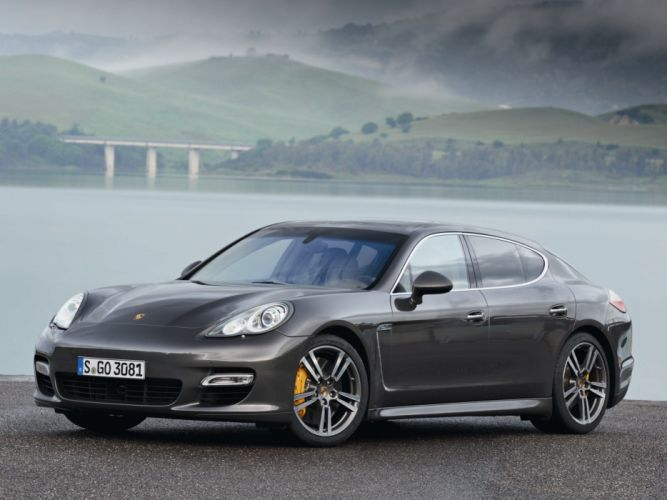 Porsche Panamera Turbo S 2011 wallpaper