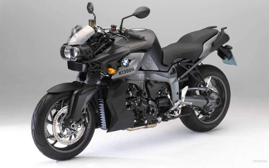BMW K1300R 2010 wallpaper
