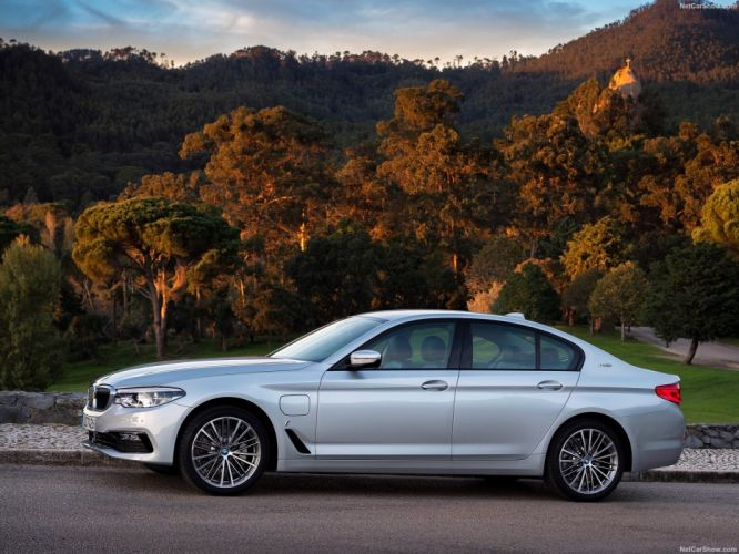BMW 530e iPerformance cars sedan 2017 wallpaper