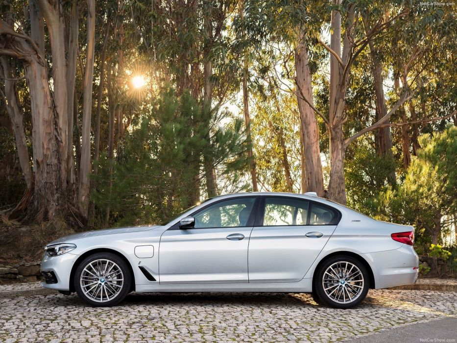 BMW 530e iPerformance cars sedan 2017 wallpaper