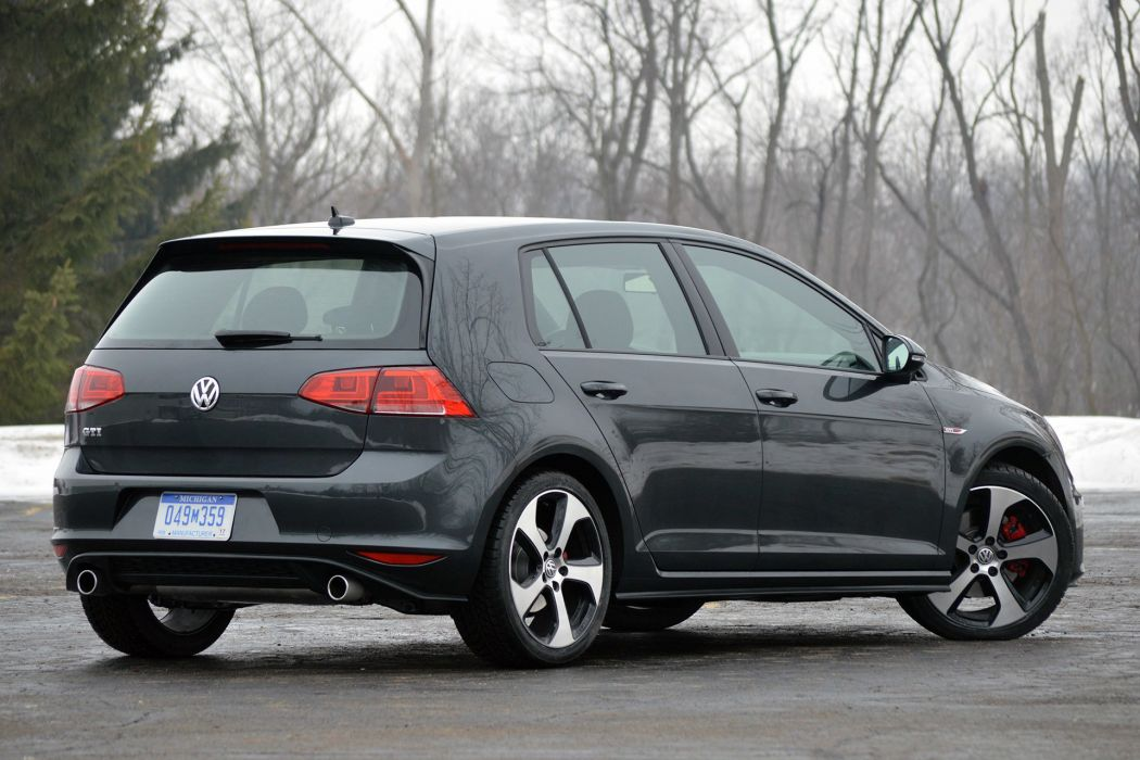 Volkswagen Golf GTI 2015 MkVII Mk7 wallpaper