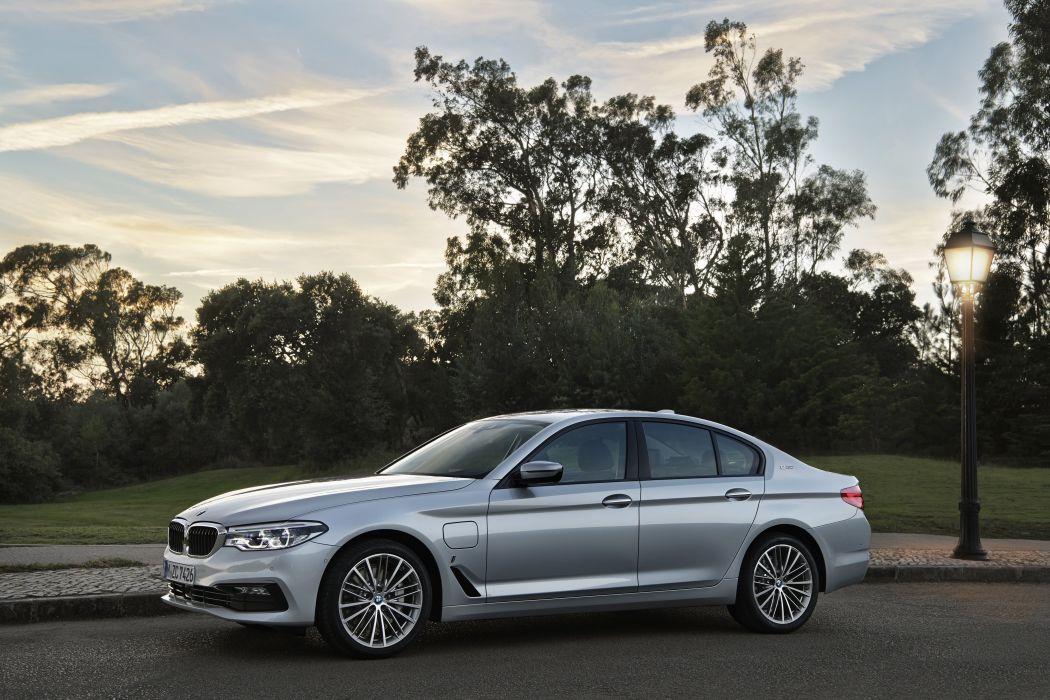 BMW 530e 2017 wallpaper
