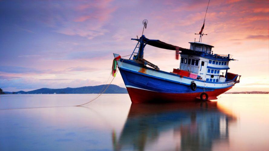 barco pesca playa wallpaper