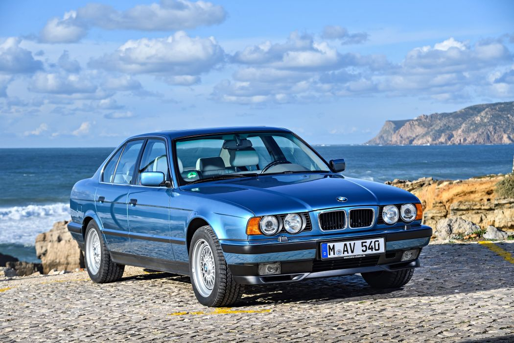 BMW 540i 1992 wallpaper