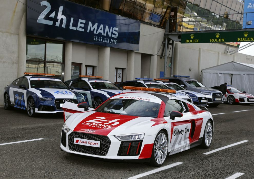 Audi R8 V10 Plus 24 Hours of Le Mans Safety Car 2016 wallpaper