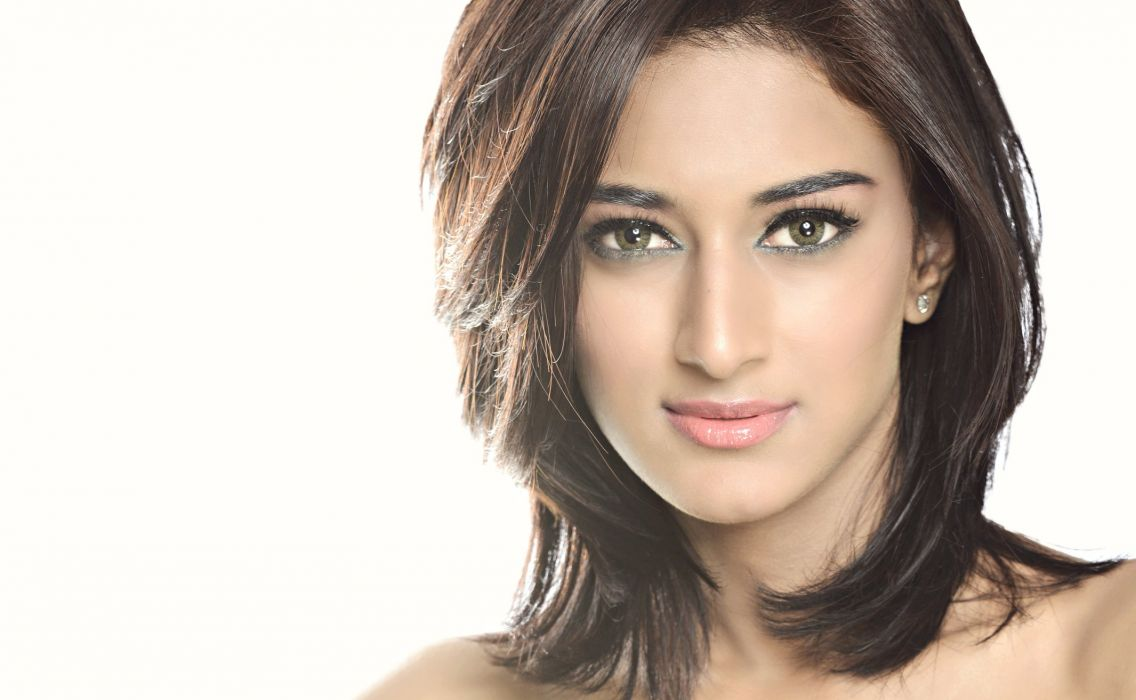 Erica Fernandes bollywood actress model girl beautiful brunette pretty cute beauty sexy hot pose face eyes hair lips smile figure indian  wallpaper