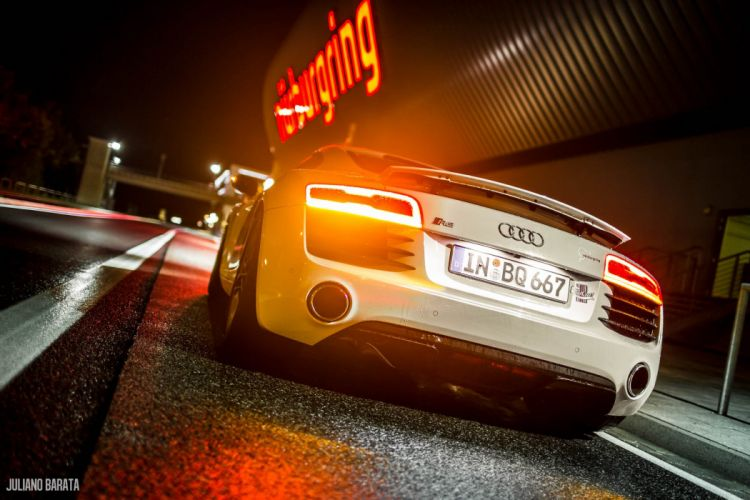 Audi R8 V8 4 2 Super Car 2014 wallpaper
