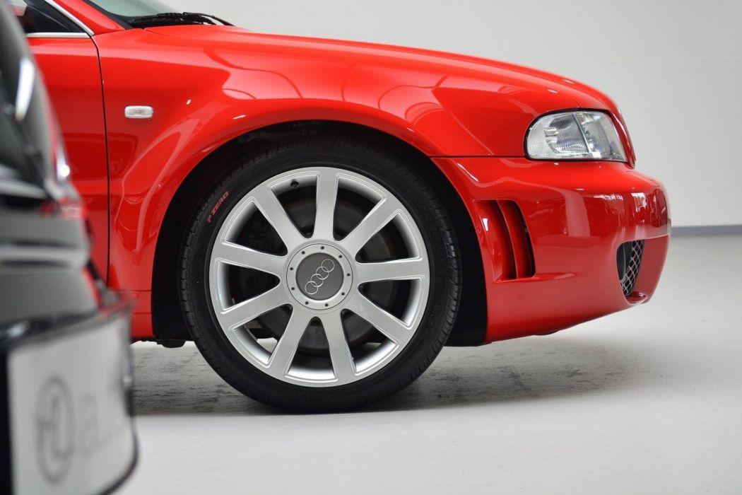 Audi RS4 Avant 2001  wallpaper
