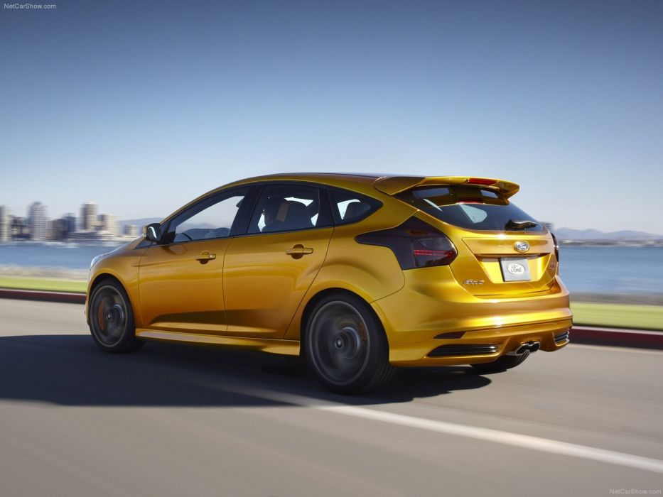 Ford Focus ST 2012 wallpaper