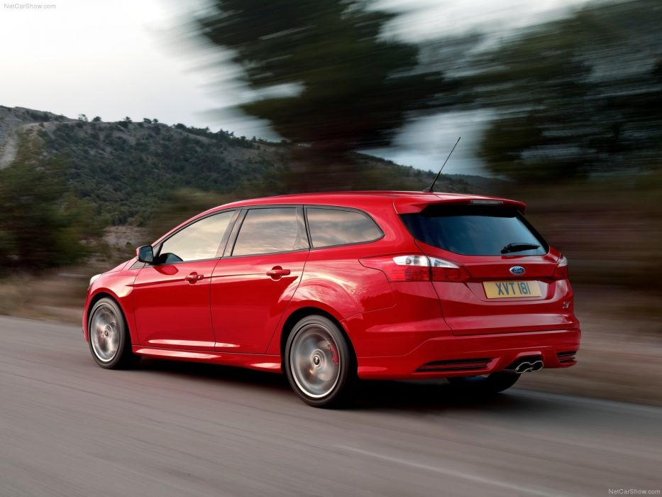 Ford Focus ST Sation Wagon 2013 wallpaper