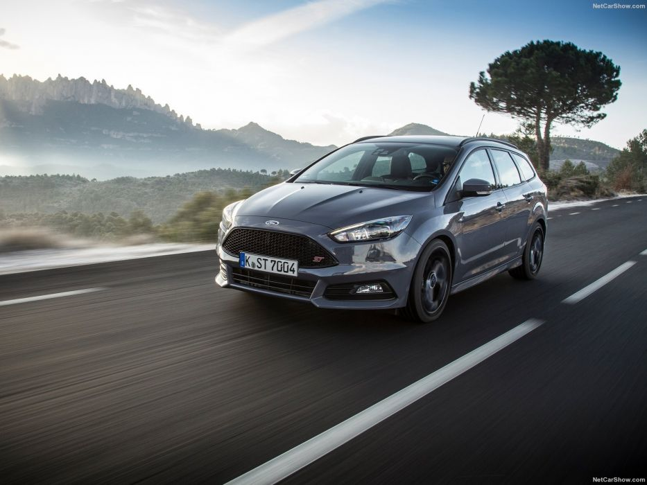 Ford Focus ST Sation Wagon 2015  wallpaper